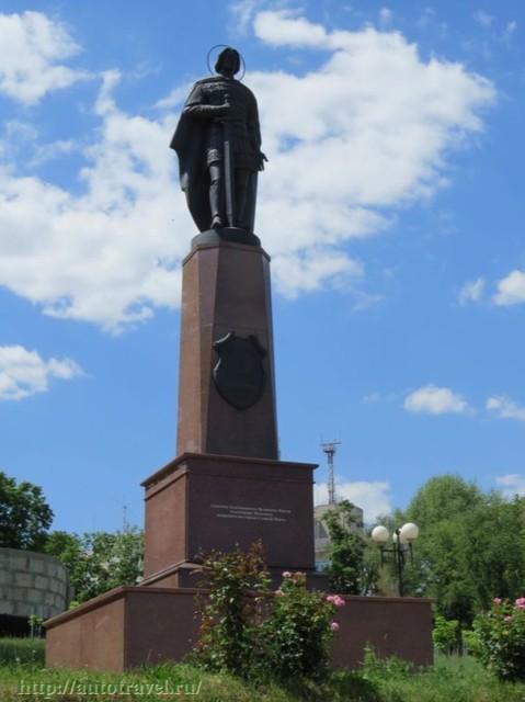 Памятник князю Александру Невскому в Старом Осколе
