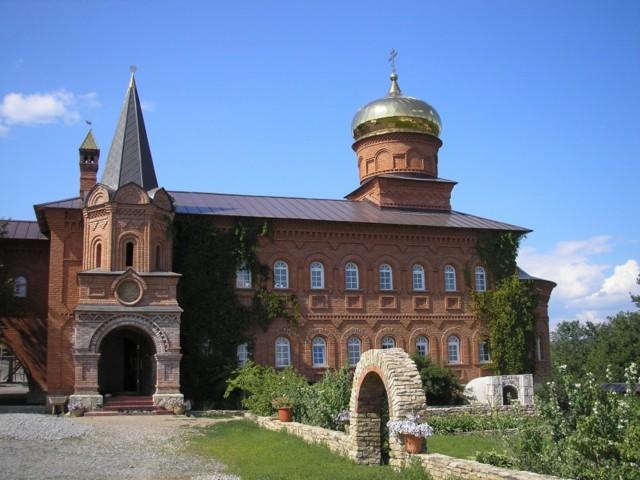 Успенский Георгиевский монастырь в Уса-Сткпановке