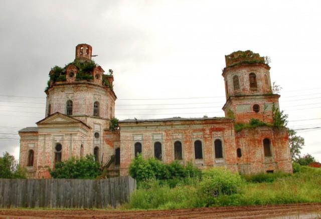 Церковь Успения Пресвятой Богородицы в Святицах