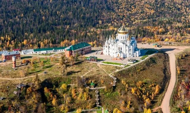 Николаевский Белогорский монастырь в Белой горе
