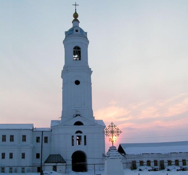 Колокольня с церковью Николая Чудотворца Спасо-Преображенского мужского монастыря в Преображенском