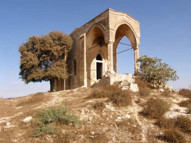 Храм в память о неудавшемся свержении Спасителя со скалы