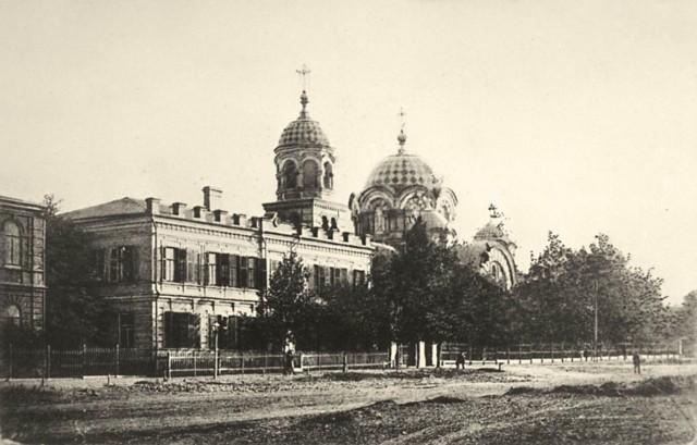 Скорбященскаяцерковь(с богадельней) в Ростове-на-Дону