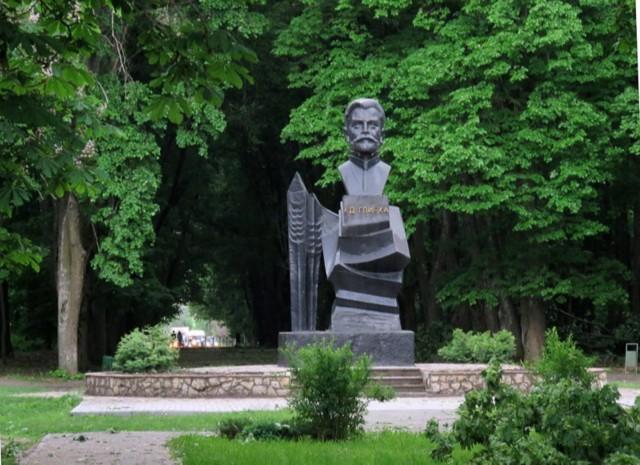 Памятник К. Д. Глинке в Воронеже