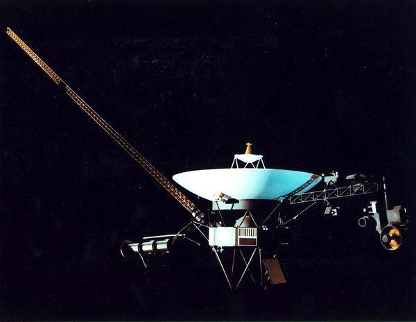 Вояджер-2 — действующий космический аппарат, запущенный НАСА 20 августа 1977 года