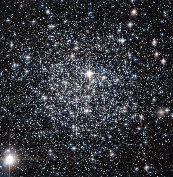 Скопление древней шаровидной группы звезд IC 4499