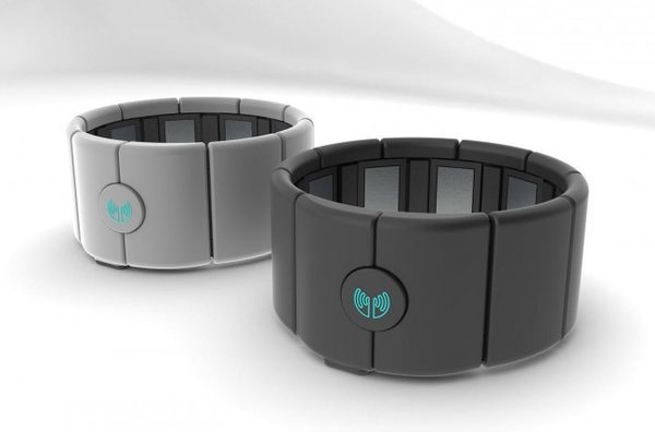 Гаджет Myo от Thalmic Labs с помощью которого управляется BionicKangaroo