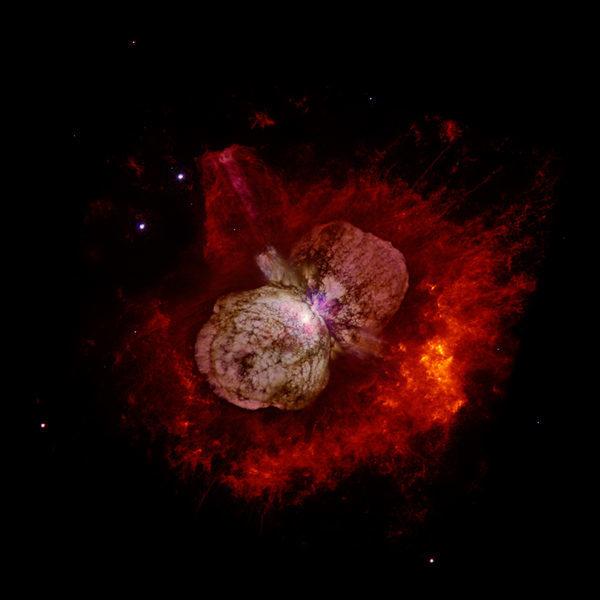 В созвездии Киля, один из близких кандидатов для будущей гиперновой