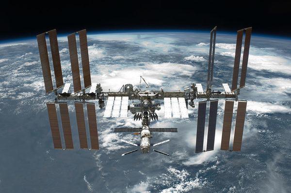 Международная космическая станция на которой будет установлен инструмент для исследования