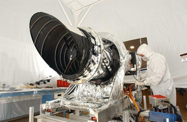 HiRISE — камера, установленная на борту космической орбитальной станции Reconnaissance Orbiter (MRO)