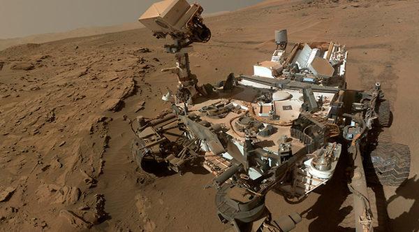 Марсоход Curiosity (Любопытство) сделал Селфи на Марсе (фото)