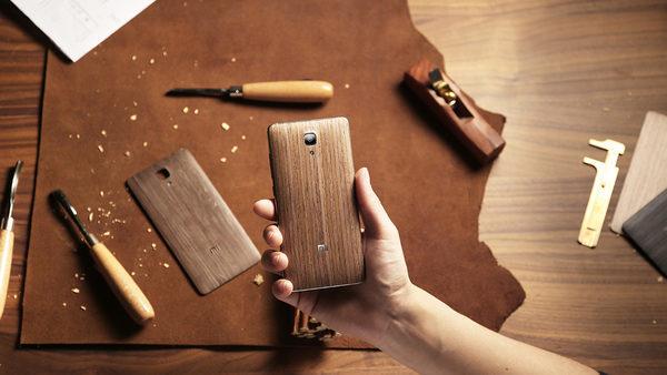 деревянный смартфон