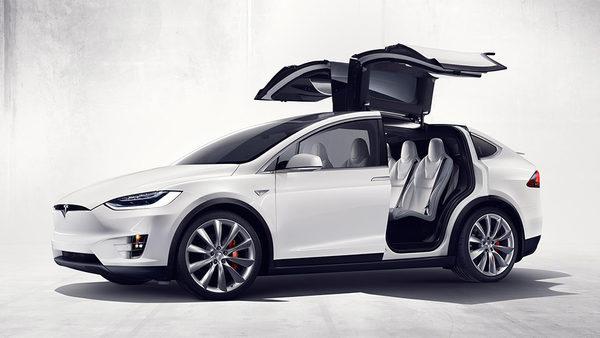 Электрический внедорожник Тесла