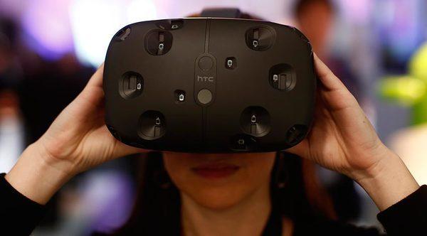 Гарнитура виртуальной реальности от HTC