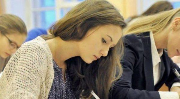 80% столичных школьников продолжают обучение в общеобразовательной школе до 11 класса