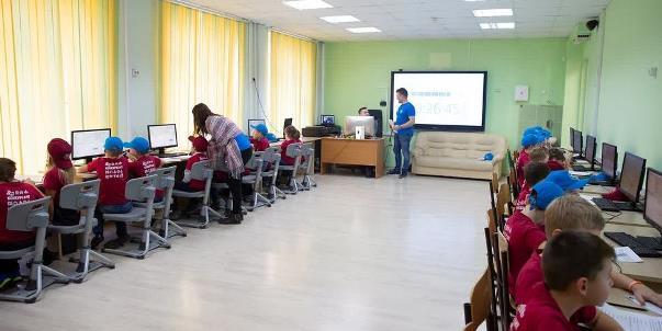 Школьники Москвы могут принять участие в отборочном этапе открытой олимпиады по программированию
