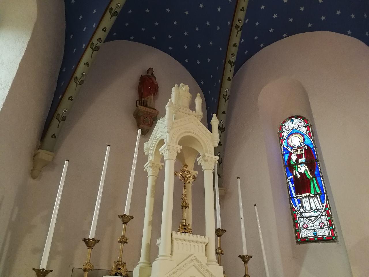 Le choeur de l'église d'Usquain