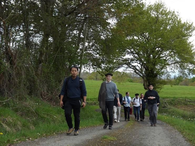 Les séminaristes de notre diocèse en week-end communautaire à Navarrenx!