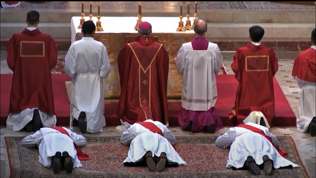 27 mai 2020 - Ordination Presbytérale de François-Régis JASNOT, Alexandre MÉRÉ et Baptiste POCHULU