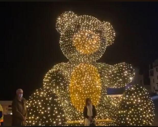 Au lendemain du 1er déconfinement, Saint-Jean-de-luz et Biarritz s'habillent de lumières en prévision de Noël