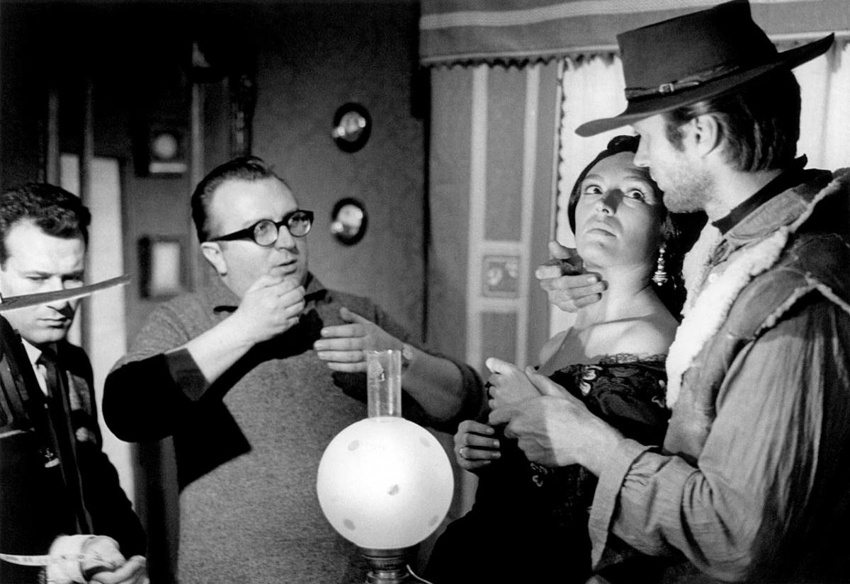 zCinéma2 Sergio Leone et Clint Eastwood sur le tournage de Pour une poignée de dollars.jpg