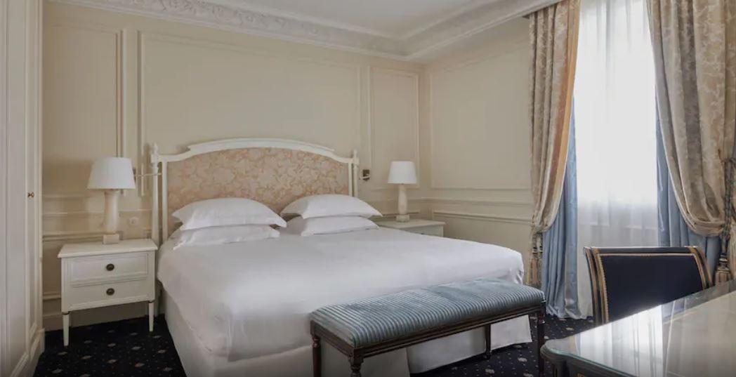 Chambre de la Suite impériale.JPG