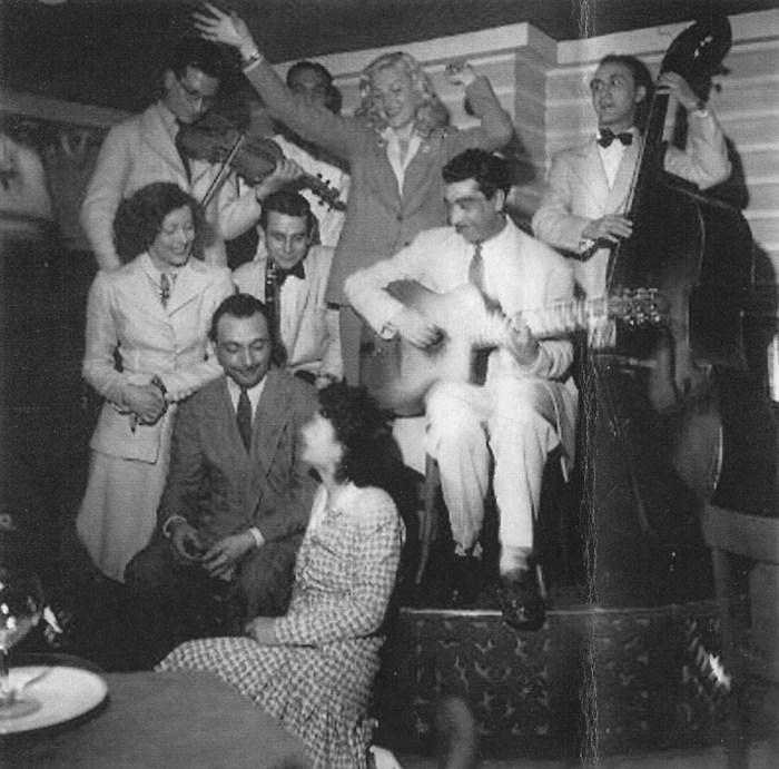 zMusique André Hodeir avec Django et Joseph Reinhardt, Gérard Lévêque à la clarinette, Jean Storne à la contrebasse, 1943.jpg