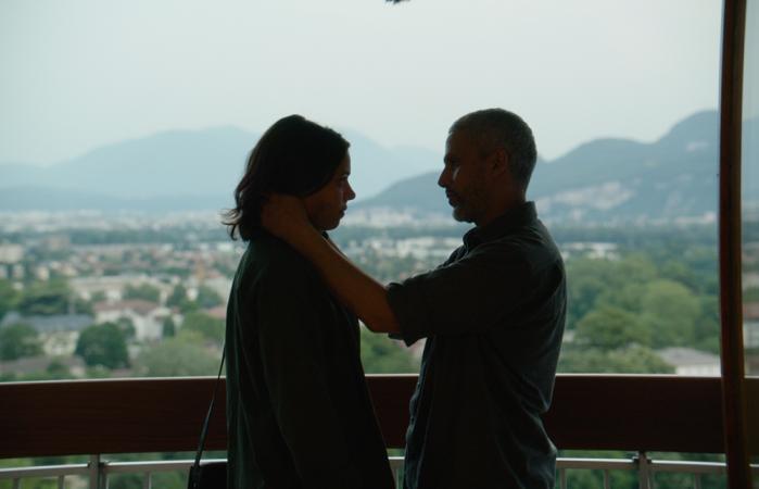 Rouge (86') - Film français de Farid Bentoumi