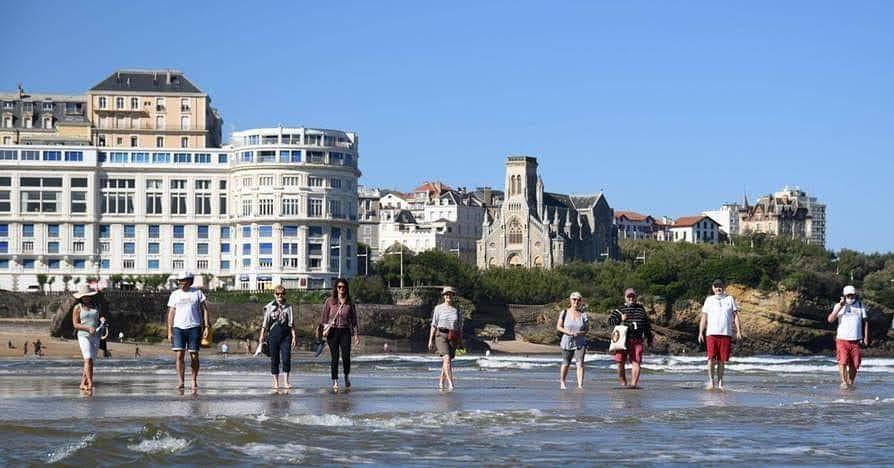 Biarritz Grande Plage marche Océan.jpg