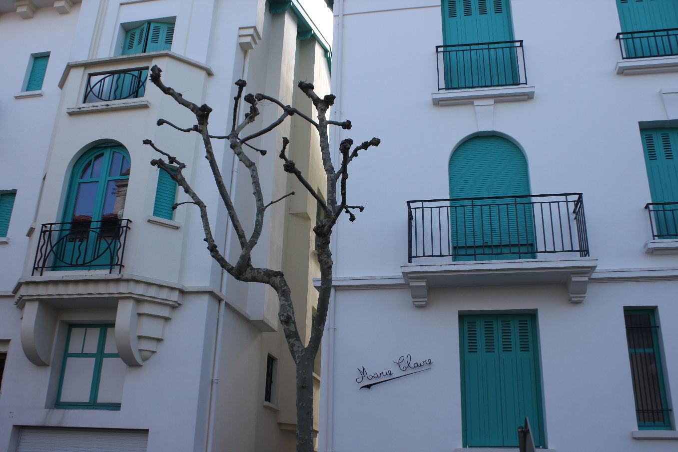 Biarritz: deux sœurs avenue de Londres