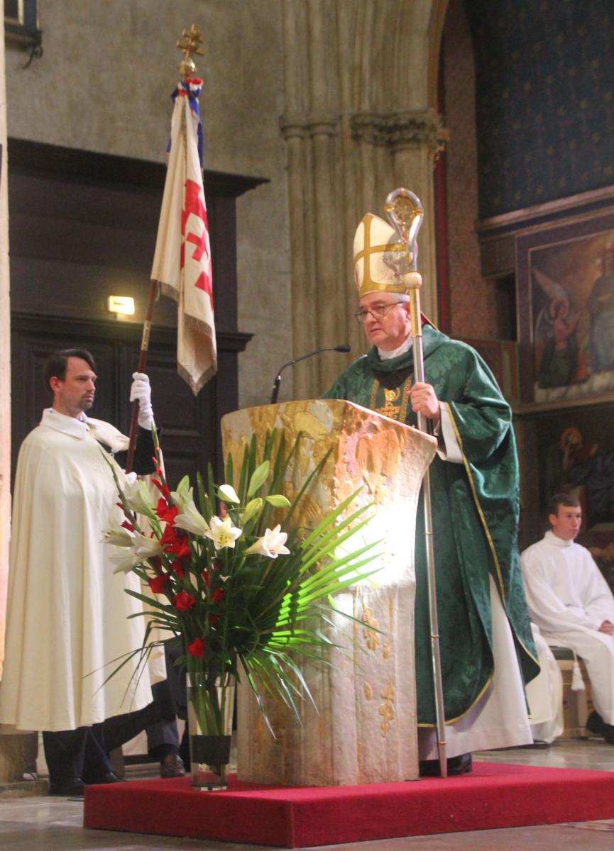 L'Ordre du Saint-Sépulcre fait étape à la cathédrale de Bayonne et à Biarritz