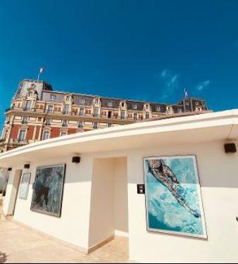Biarritz : les oeuvres de Yannick Fournié  plongées dans des écrins d'excellence