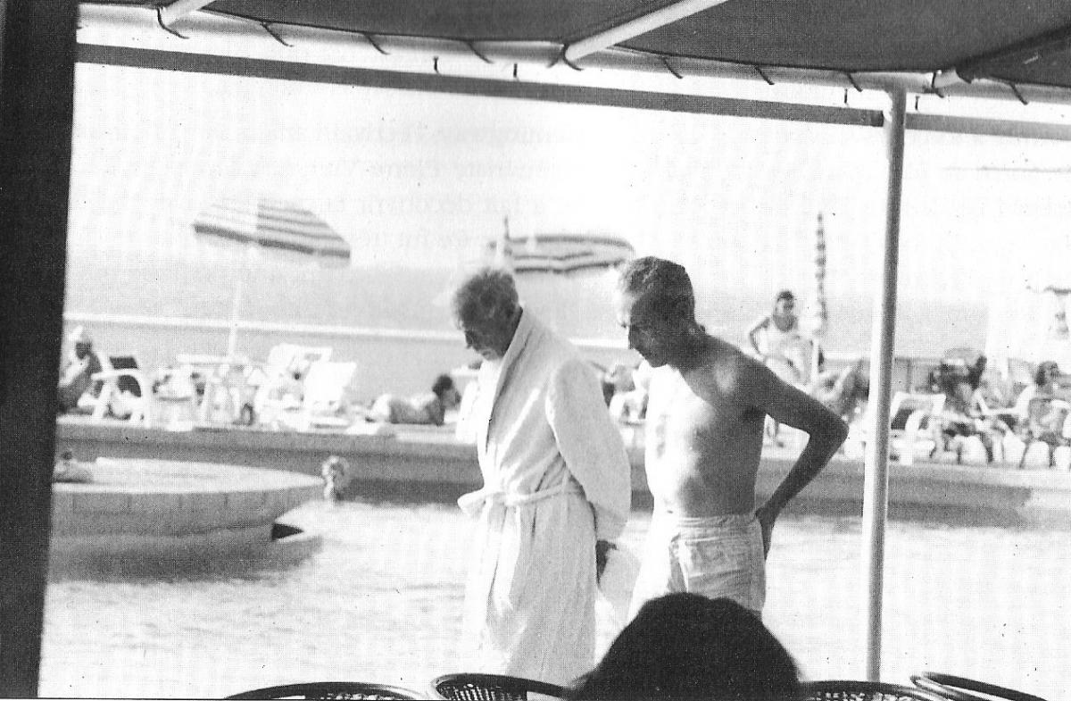 A la piscine du Palais, Guy d'Arcangues et le Duc de Windsor.jpg