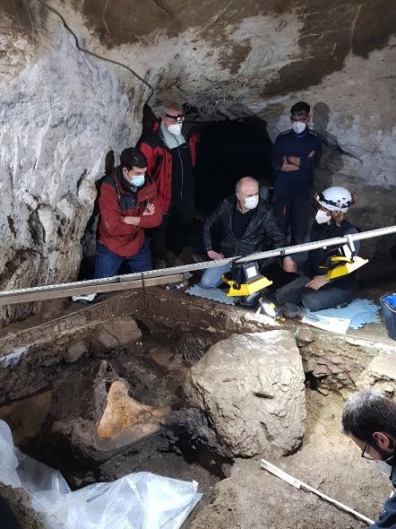 Nouvelle fouille dans la grotte d'Isturitz, un site archéologique unique en Euskal Herria