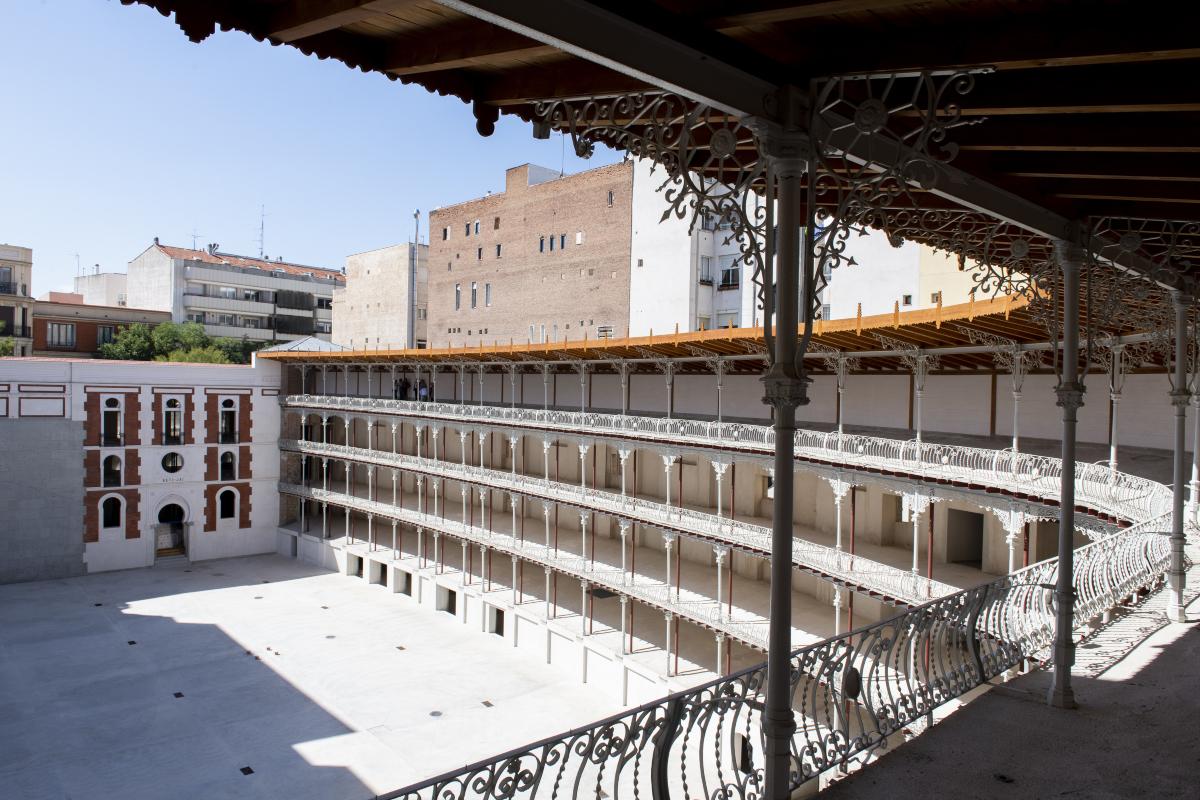 Le mur à gauche Beti Jai de Madrid, par Michel d'Arcangues
