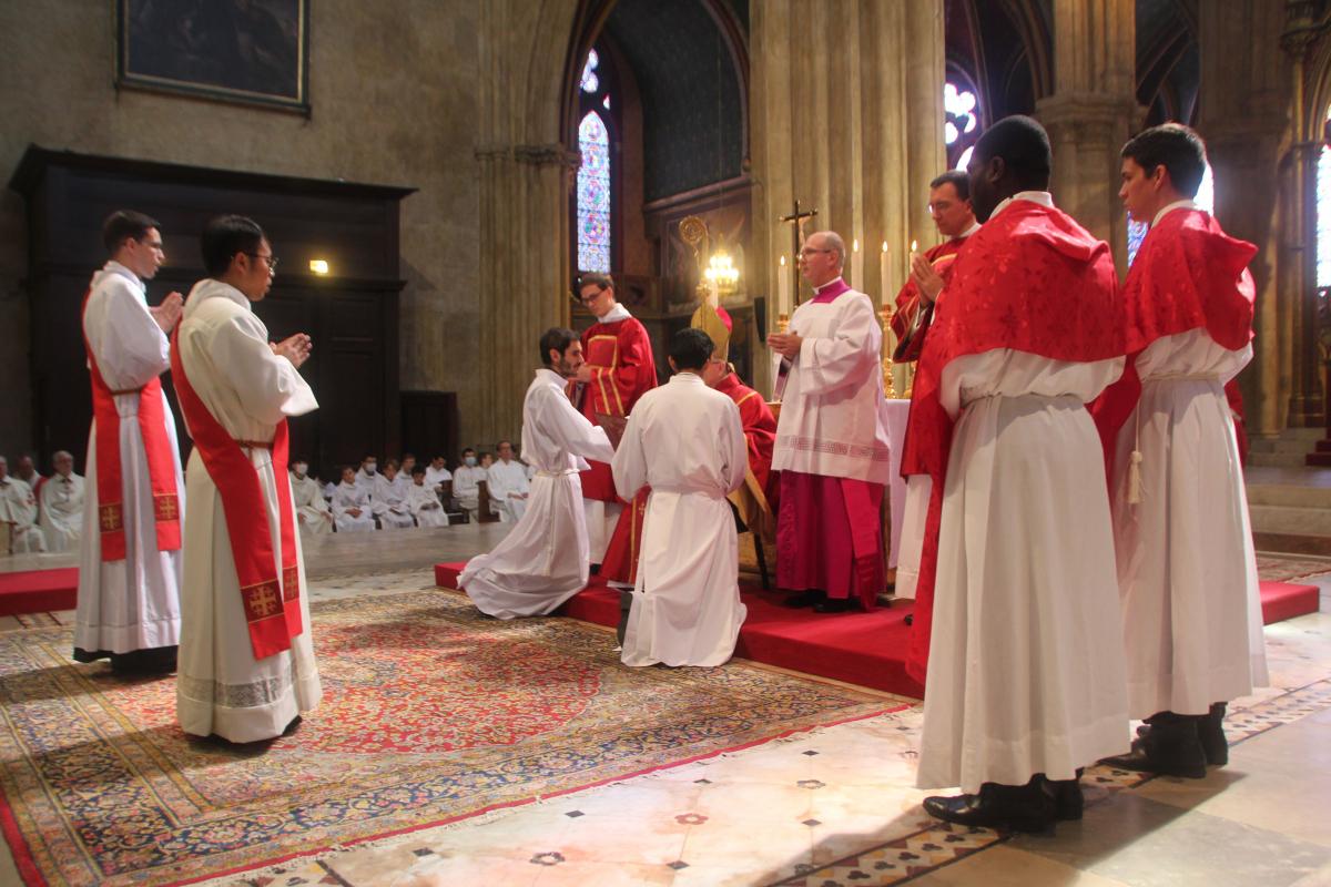 Cathédrale de Bayonne : ordinations sacerdotales par Mgr Aillet