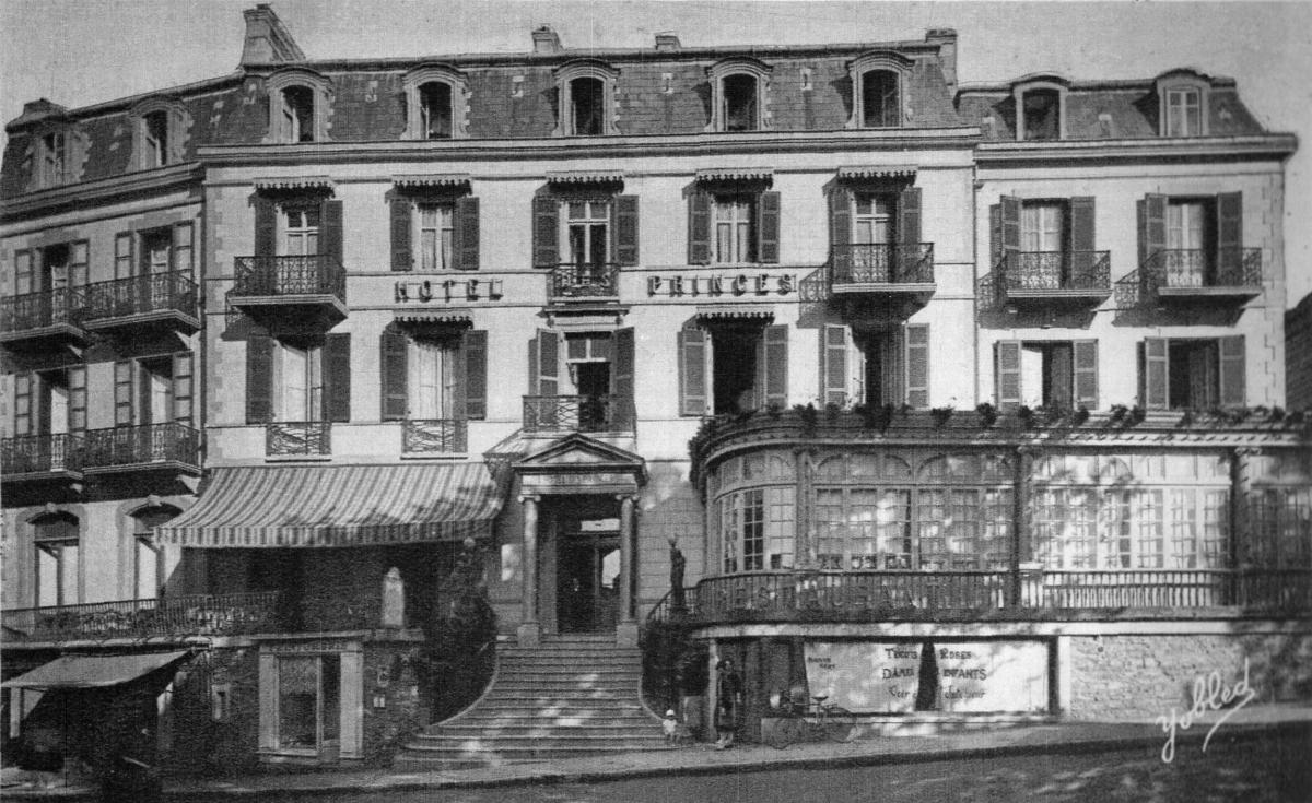 004 - LES PRINCES façade sur rue Gambetta .jpg