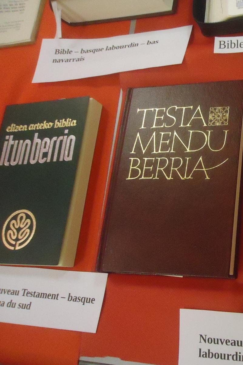 Bible labourdin et bas-navarrais long.jpg