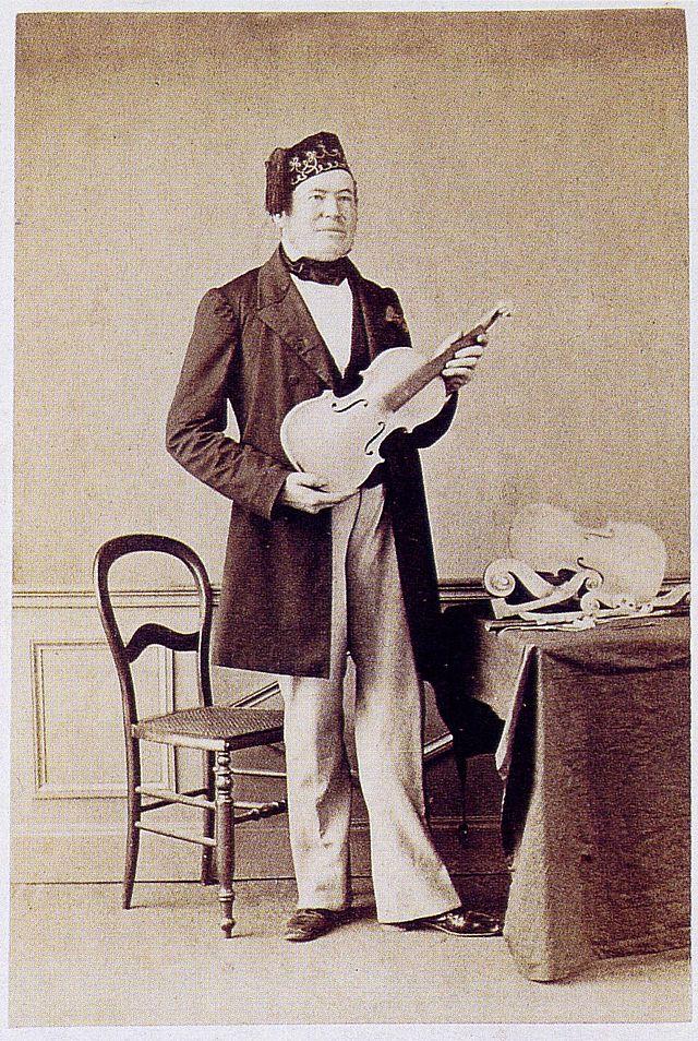 zMusique1 Le luthier Jean-Baptiste Vuillaume, 1860.jpg