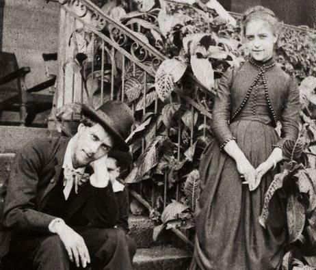 zPortrait1 2. Paul-Jean Toulet et sa soeur Jane, vers 1885.jpg