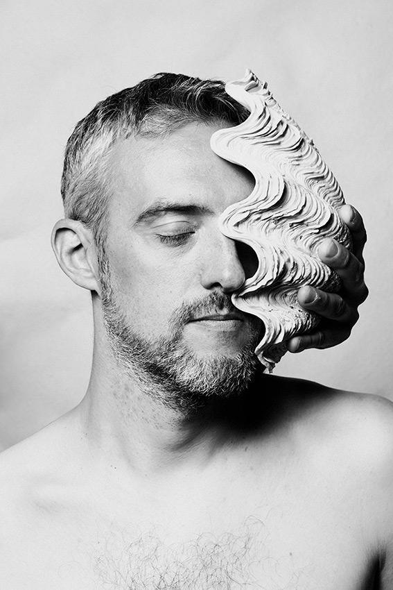 Tel un serpent faisant ses mues, le nouveau CD de  Thierry Biscary