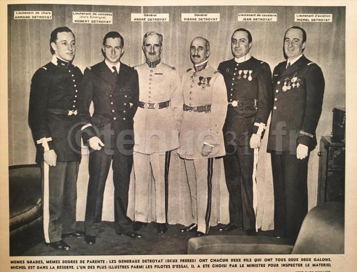 La famille Détroyat  les deux frères généraux et leurs fils, militaires également.jpg