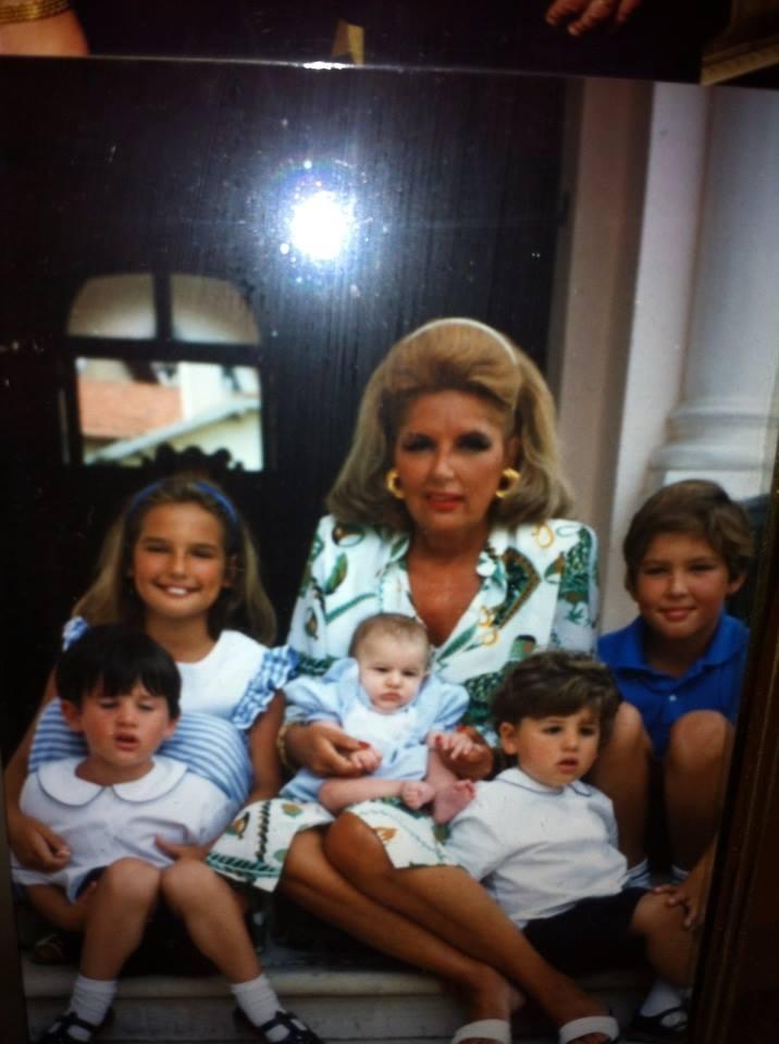 z Polo Willemetz avec ses petits-enfants... qui ont grandi depuis lors.jpg
