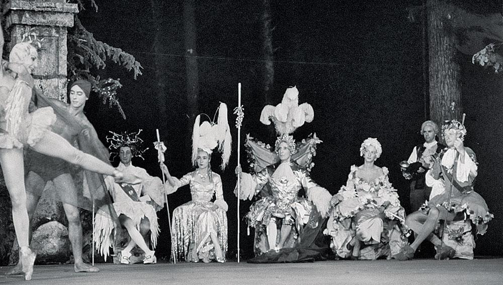zPage 35 Ppal Ballet de Cuevas Chiberta.jpg