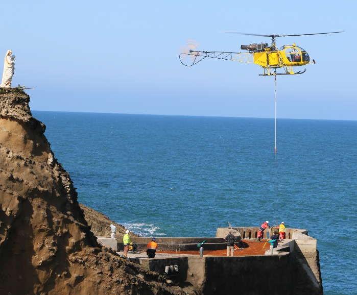 zRocher de la Vierge helicoptere.jpg
