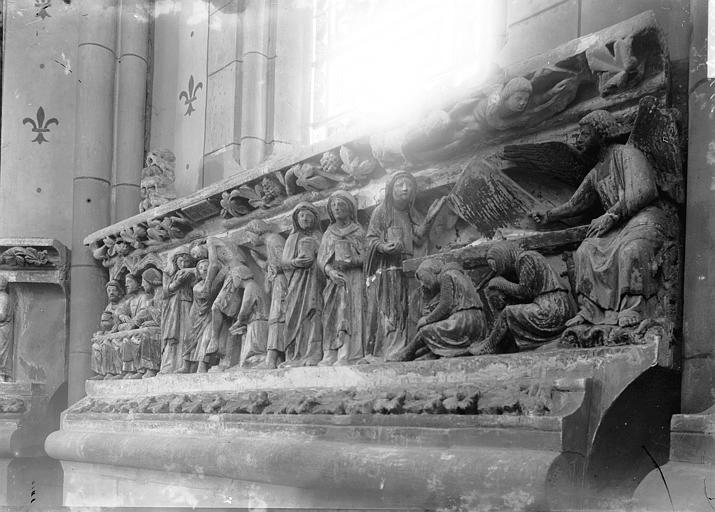 zTradition1 Les Saintes Femmes au Tombeau du christ état ancien.jpg