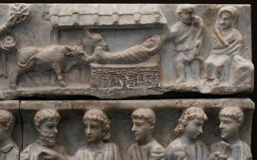 zTradition1 La plus ancienne crèche connue trouvée à Syracuse en Sicile (vers 280).jpg