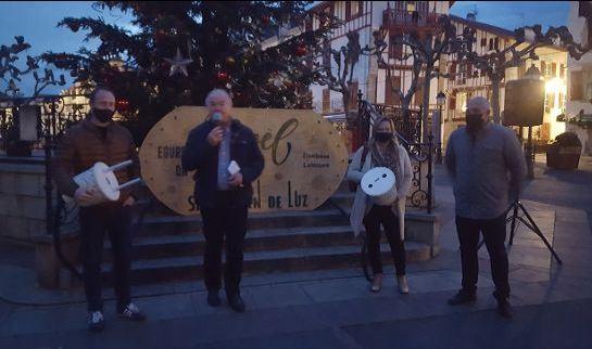 Le maire de SJLY Inaugure le sapin de Noel 2020.JPG