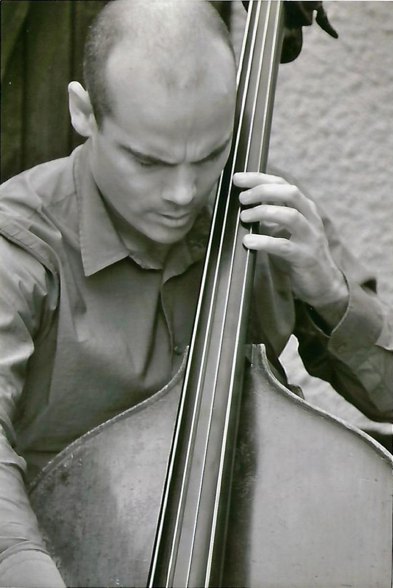 Premiers émois musicaux: Marin Béa, contrebassiste