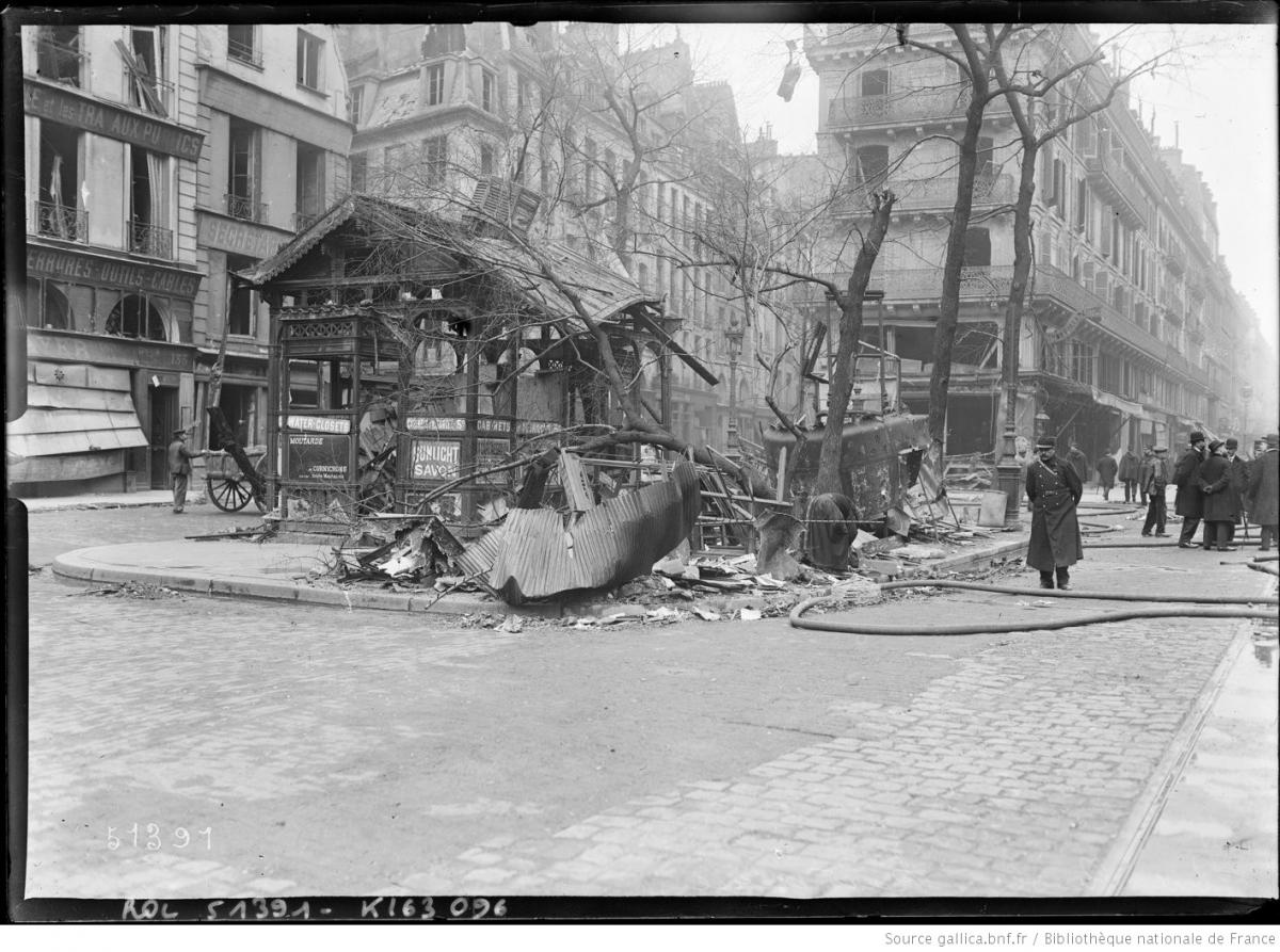 Rue_de_Rivoli-Bombardement_du_12_avril_1918-3.jpg